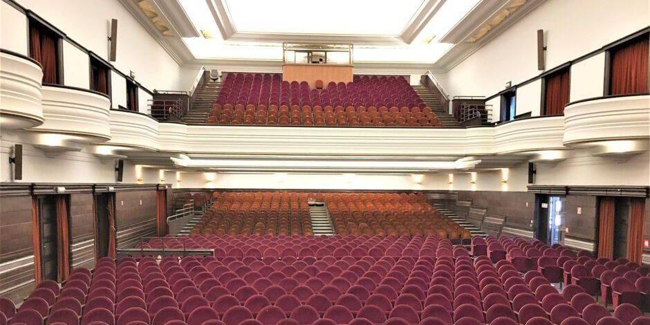 Impossible de louer la salle de spectacles de l'Hôtel de Ville sans au moins 1,3 million d'euros de travaux