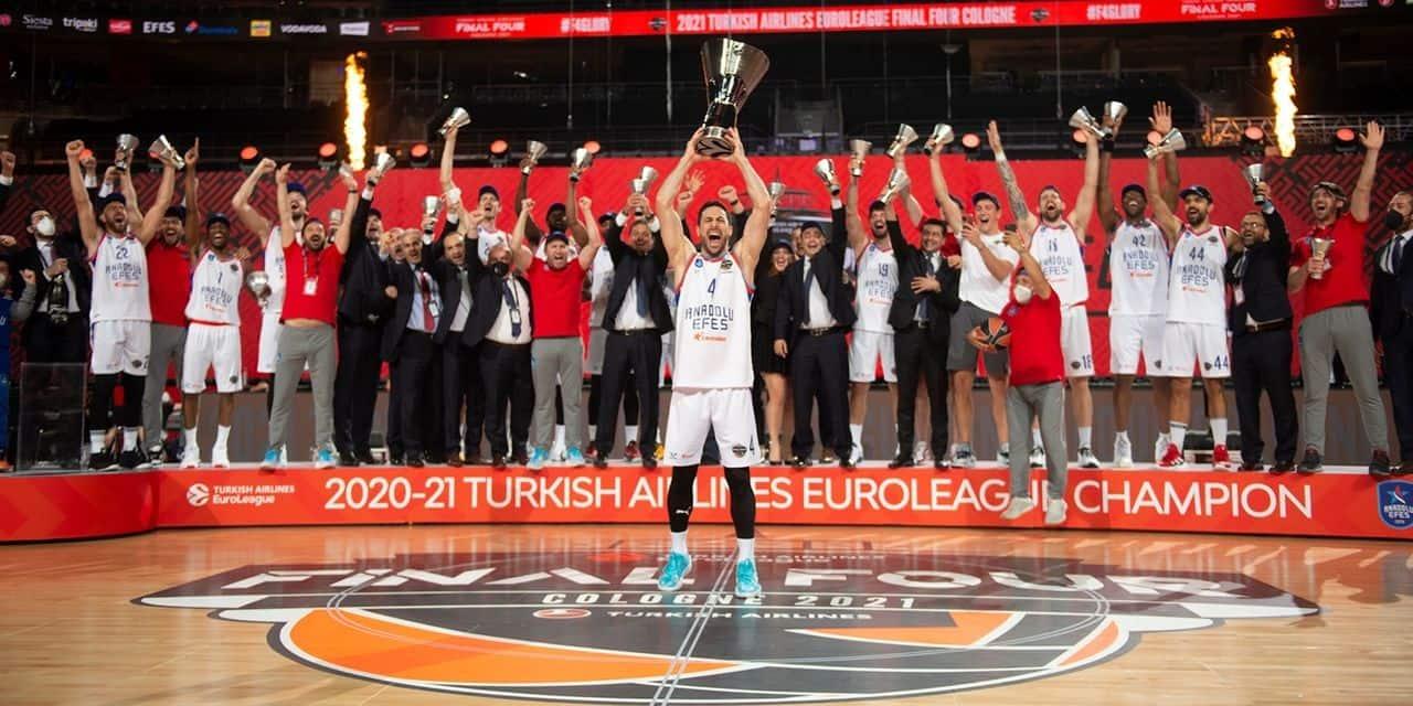 L'Anadolu Efes Istanbul sur le toit de l'Europe après sa victoire en Euroleague