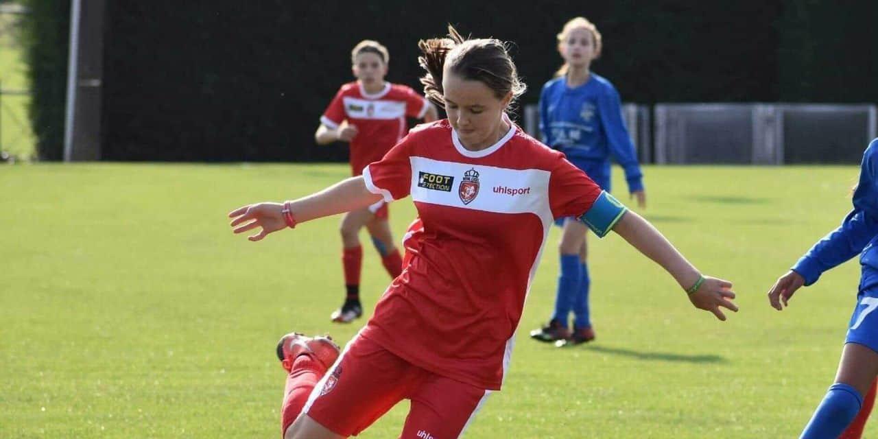 """Mouscron lance une section féminine de foot dans son école de sports: """"C'est une première dans la région"""""""