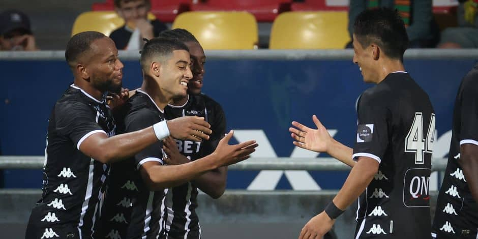 Charleroi débute sa saison par une victoire convaincante face à Ostende (0-3)