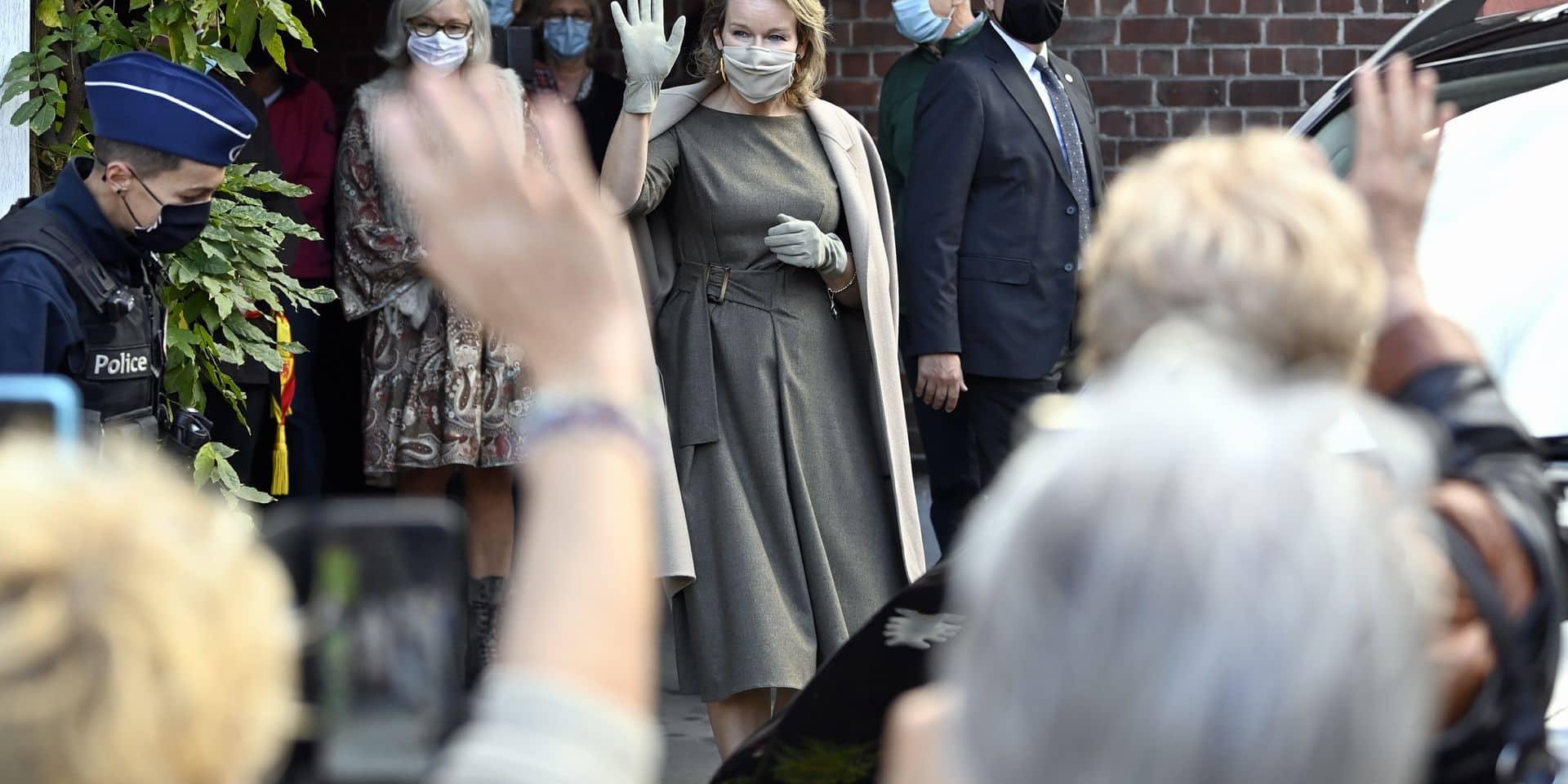 La Reine visite les banques alimentaires à Liège