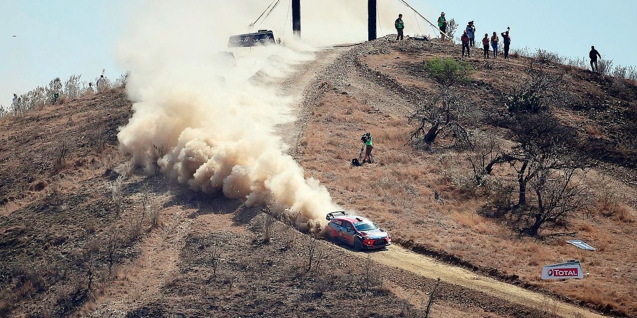 Belgian rally driver Thierry Neuville and co-driver Nicolas Gilsoul, of Hyundai Shell Mobis WRT, compete during the second stage of the FIA World Rally Championship in Silao, Guanajuato State, Mexico, on March 9, 2019. (Photo by ALFREDO ESTRELLA / AFP)