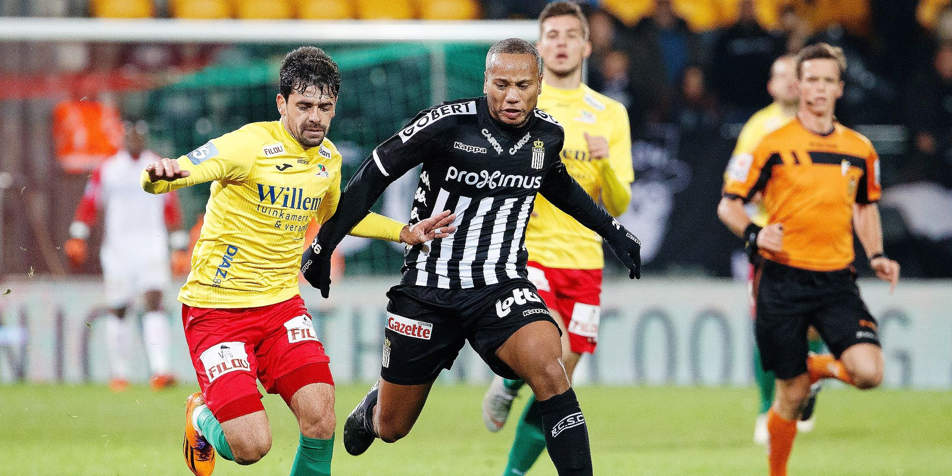 Charleroi's Marco Ilaimaharitra and Oostende's Fernando Canesin fight for the ball during a soccer game between KV Oostende and Sporting Charleroi, Friday 02 November 2018 in Oostende, on the fourteenth day of the 'Jupiler Pro League' Belgian soccer championship season 2018-2019. BELGA PHOTO KURT DESPLENTER