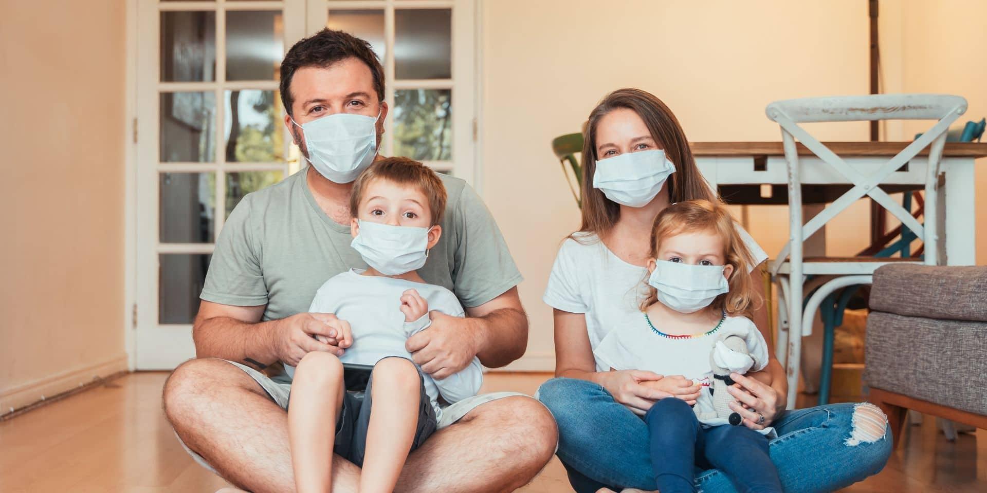Beautiful,Young,Family,Wearing,Face,Masks,Against,Coronavirus,World,Pandemic