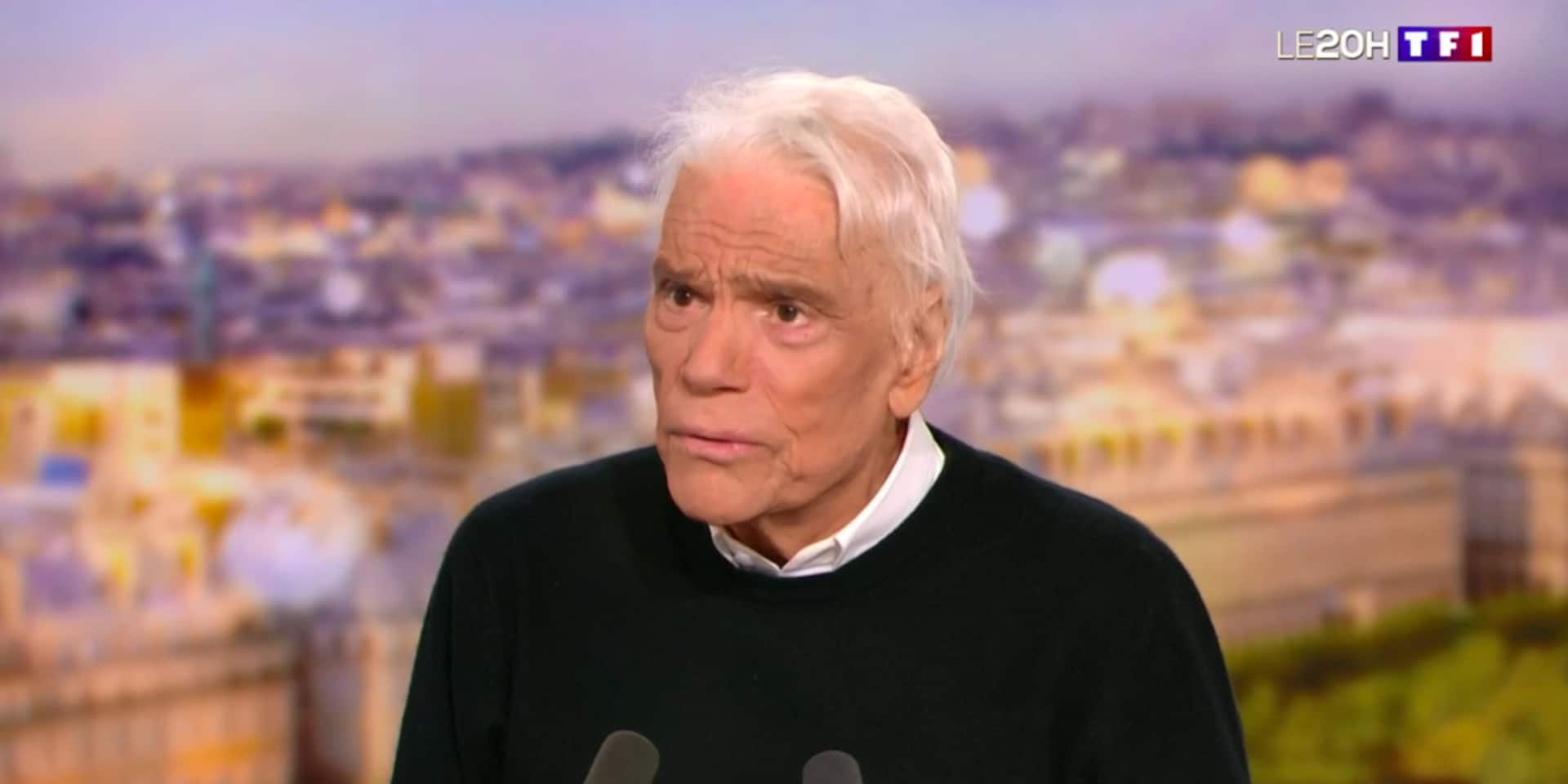 """Le coup de gueule de Bernard Tapie sur la vaccination: """"Il faut se faire vacciner, ce n'est pas seulement un combat pour soi, c'est un combat d'équipe"""""""