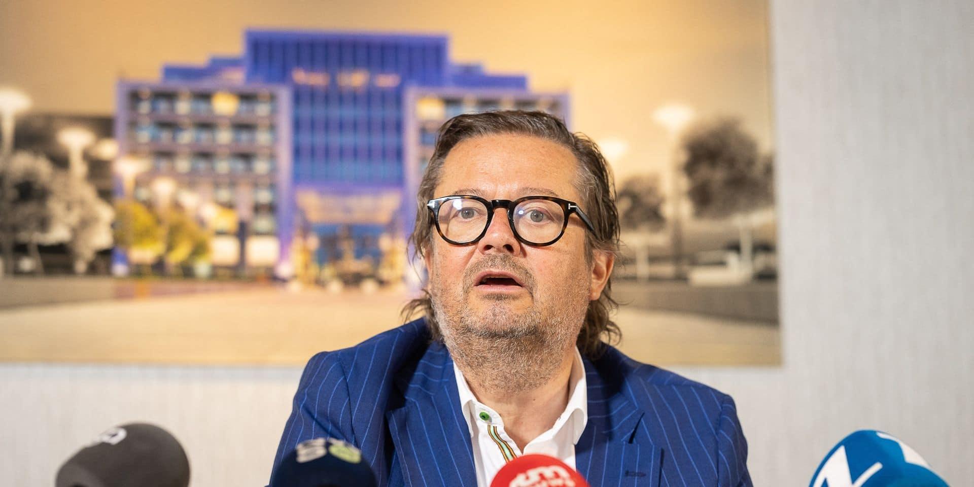 """""""Heureux et triste à la fois"""": Marc Coucke réagit après l'inculpation des anciens dirigeants du RSCA"""