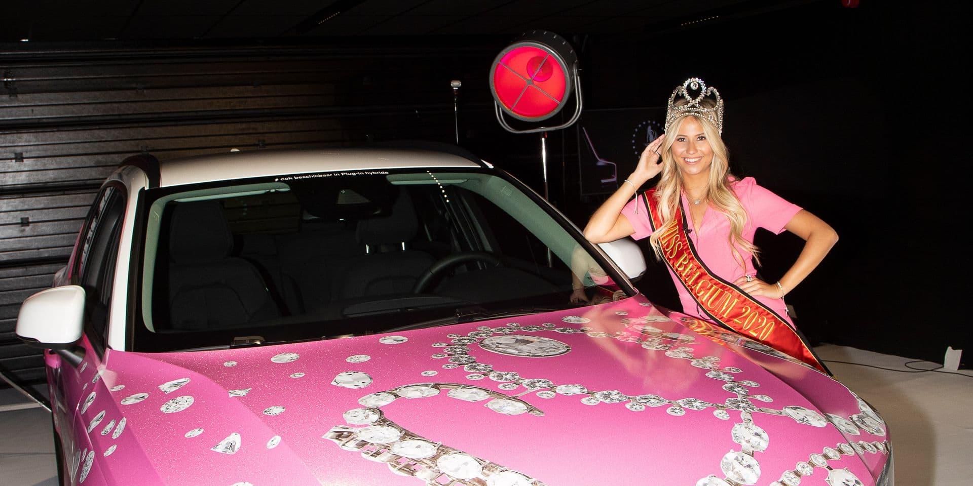Miss Belgique 2020, a reçu sa Volvo… rose
