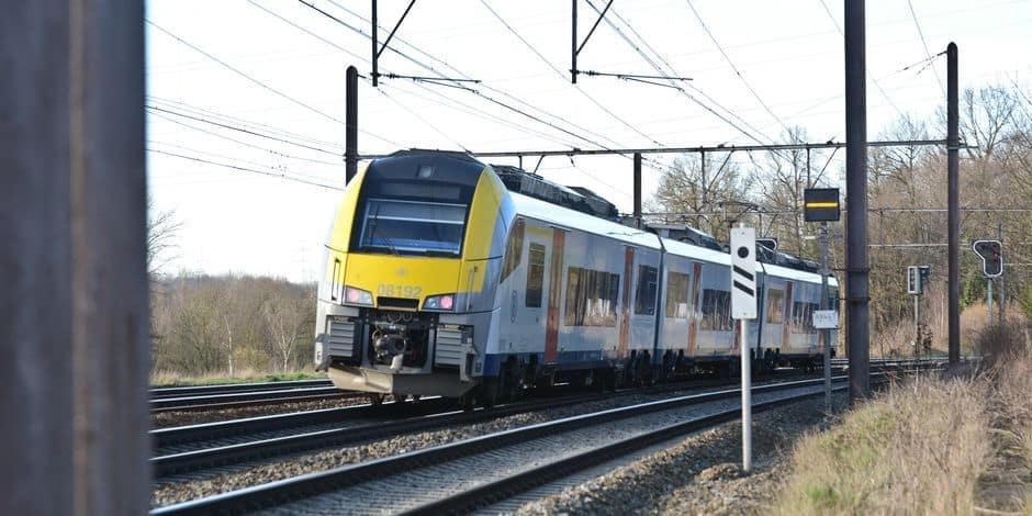 Le trafic ferroviaire interrompu sur plusieurs lignes depuis et vers Charleroi-Sud: le trafic a repris à 7h50