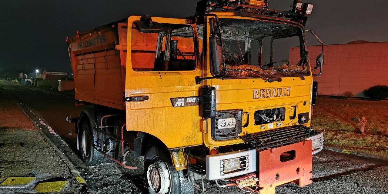 Heppignies: un camion d'épandage prend feu