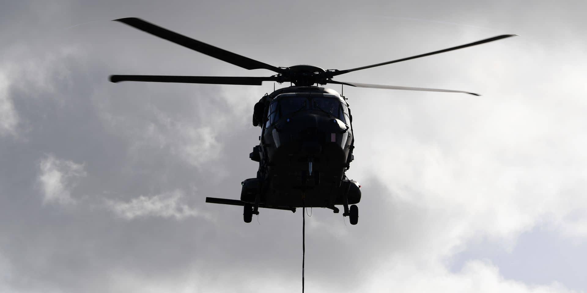 Un hélicoptère de l'armée mobilisé pour un homme qui traversait la Manche en kayak