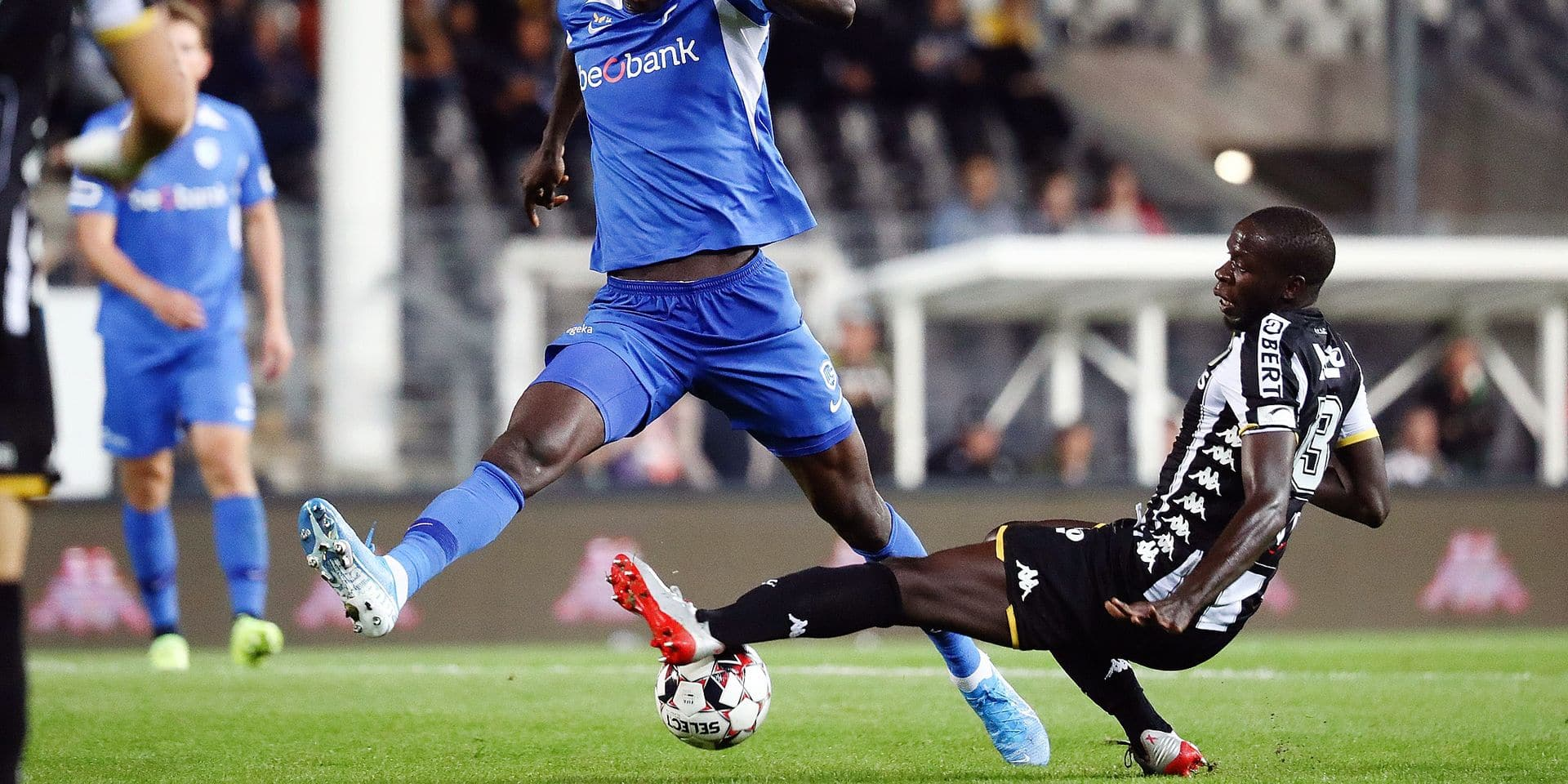 Genk's Paul Onuachu and Charleroi's Cristophe Diandy fight for the ball during a soccer match between Sporting Charleroi and Krc Genk, Friday 13 September 2019 in Charleroi, on the seventh day of the 'Jupiler Pro League' Belgian soccer championship season 2019-2020. BELGA PHOTO VIRGINIE LEFOUR