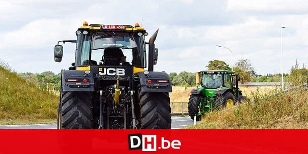 machine agricole circulation N25 securite fermier agriculture agriculteur tracteur trafic JCB