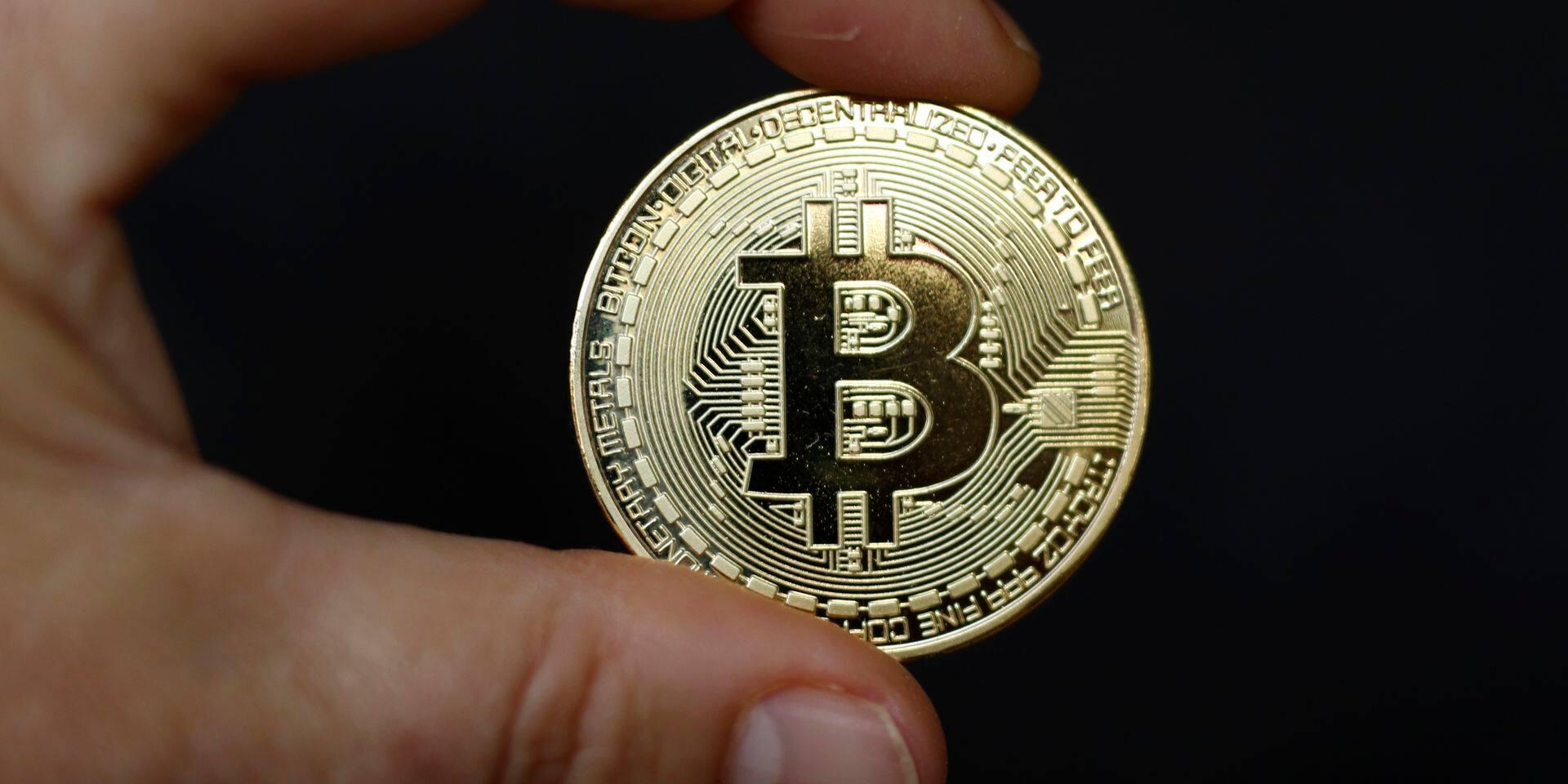 Le bitcoin sous les 5.000 dollars, une première depuis octobre 2017