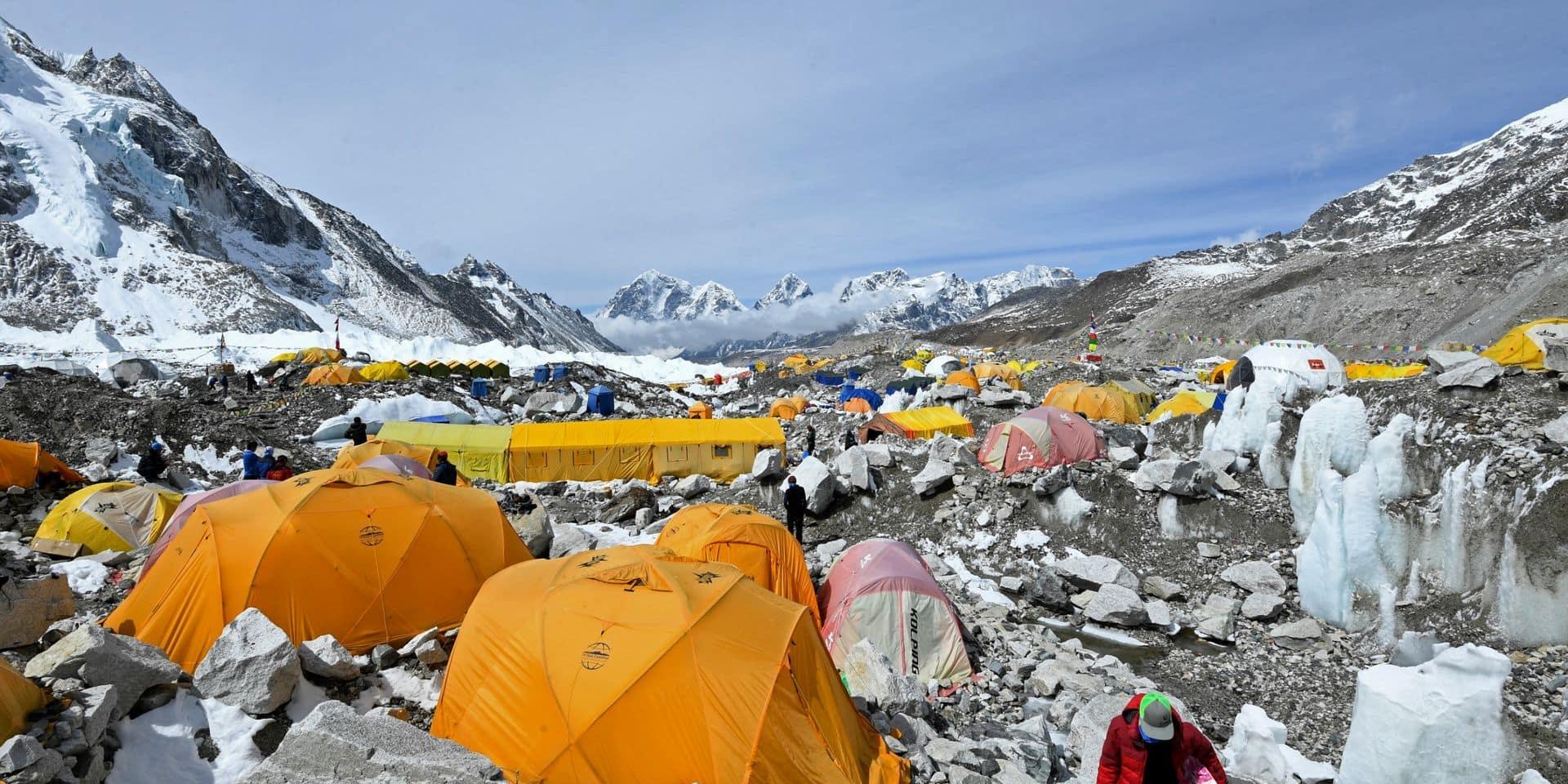 Népal: décès de deux alpinistes étrangers sur le Mont Everest