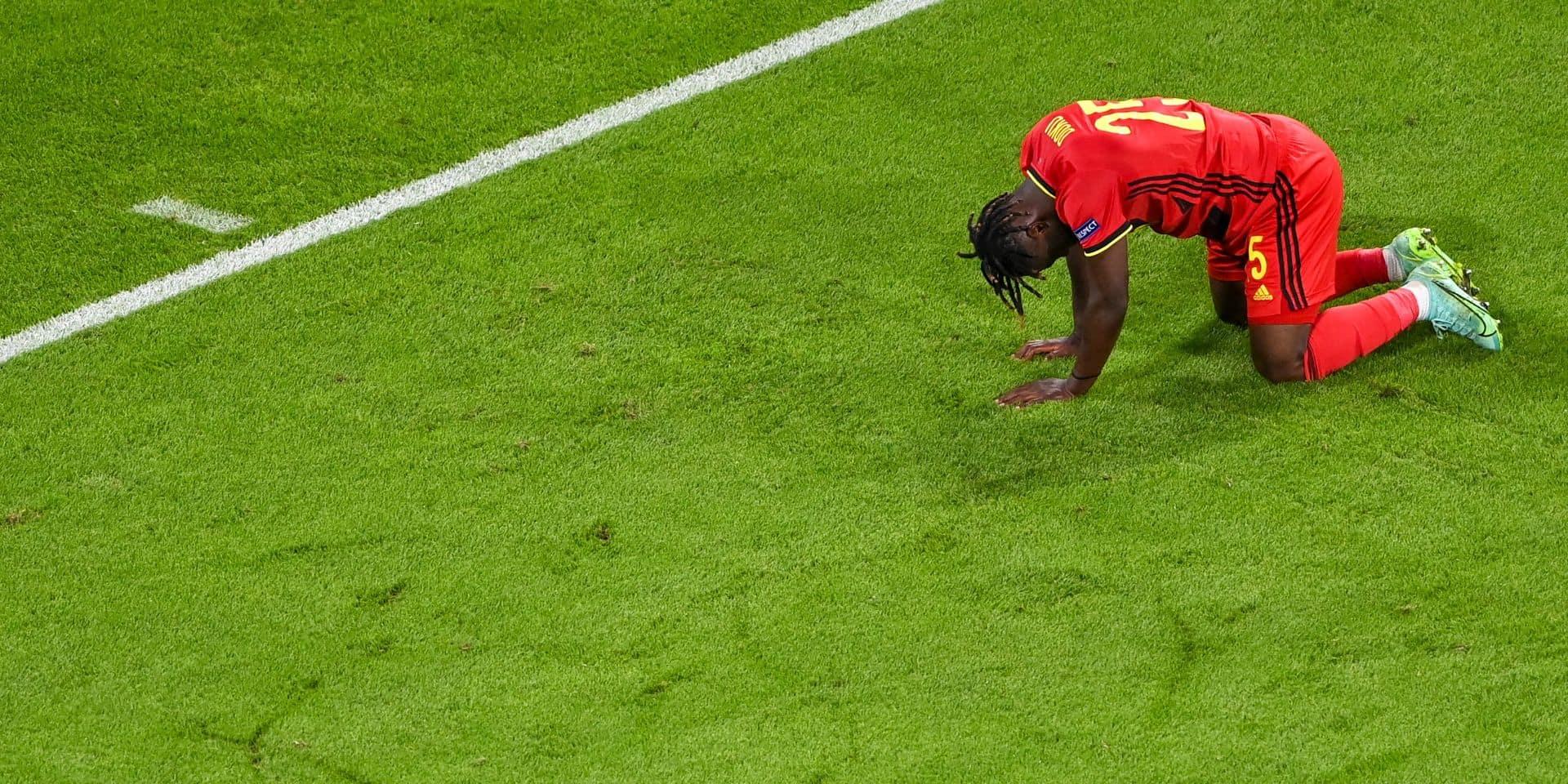 Les tristes images des Diables rouges, inconsolables après leur élimination à l'Euro (PHOTOS)