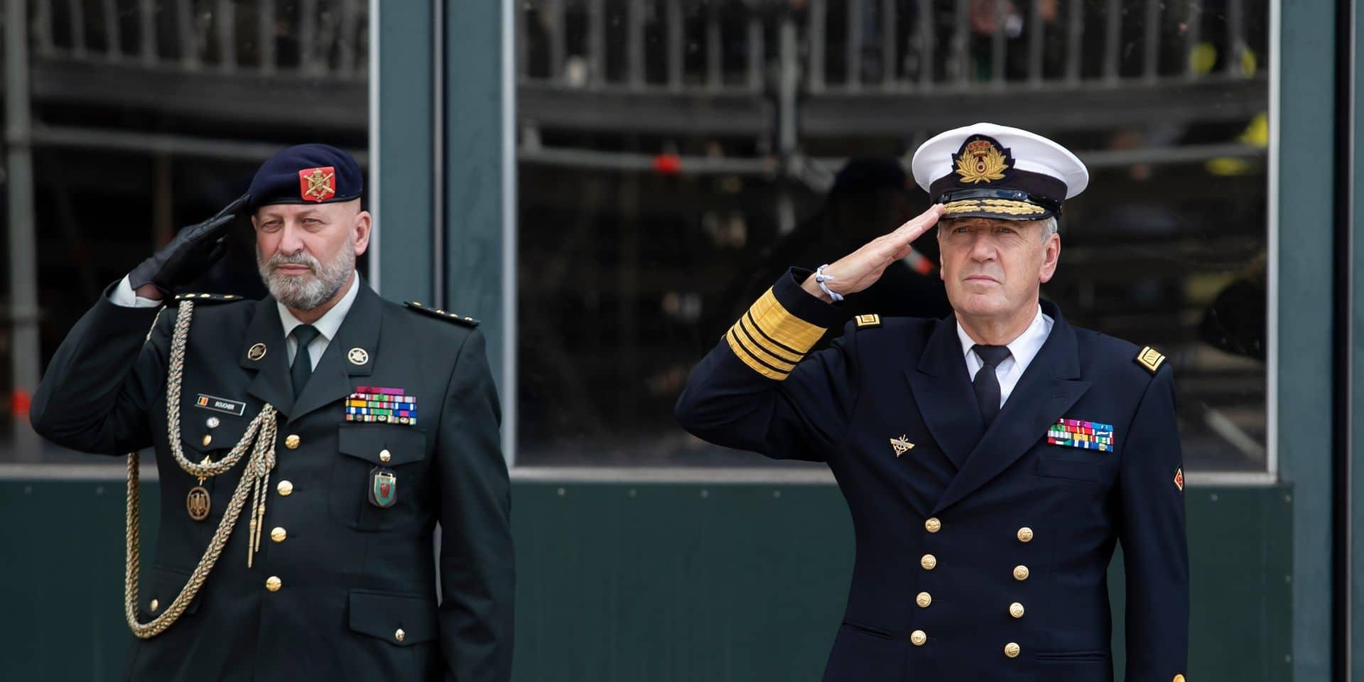 Selon Michel Hofman, chef de la Défense (à droite), l'année 2022 devrait permettre à l'armée de recharger ses batteries en raison d'un moindre niveau d'engagement.