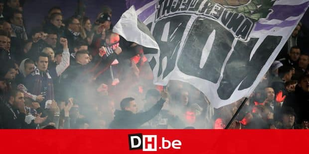 Anderlecht's supporters pictured during a soccer match between RSC Anderlecht and KV Kortrijk, Sunday 10 March 2019 in Brussels, on the 29th day of the 'Jupiler Pro League' Belgian soccer championship season 2018-2019. BELGA PHOTO VIRGINIE LEFOUR
