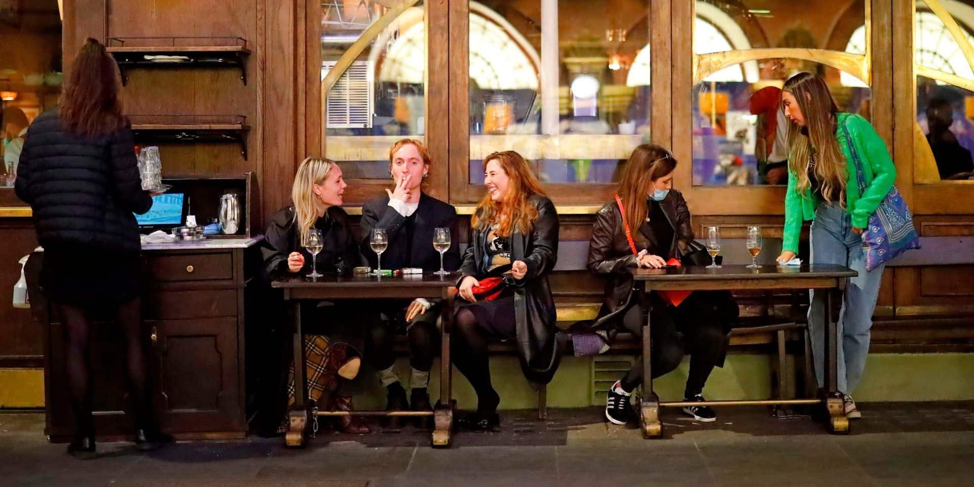 Restaurant entre collègues, fête d'anniversaire, sport...: quelle vie sociale peut-on avoir suite aux nouvelles règles du CNS?