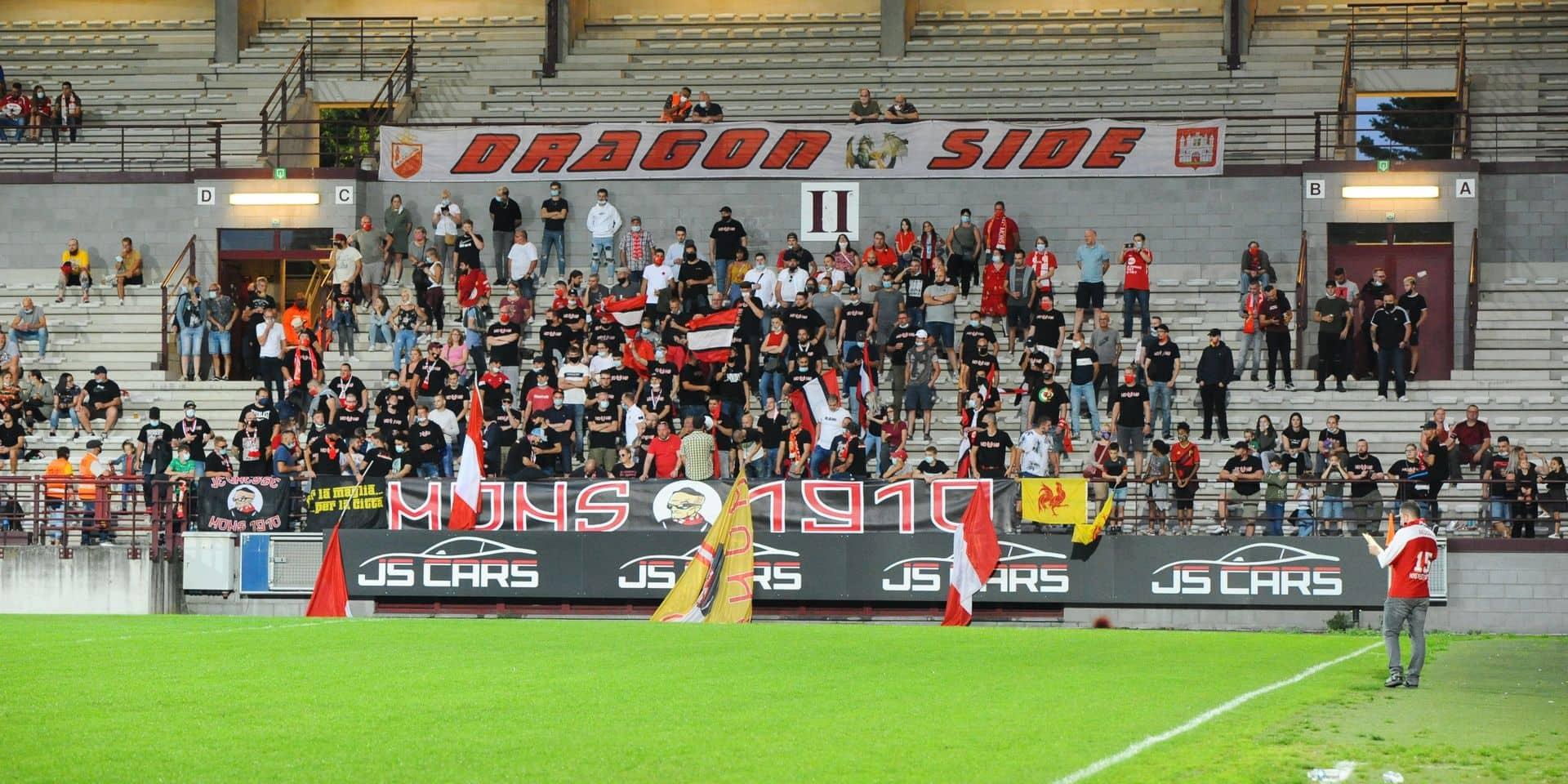 600 spectateurs à RAEC Mons - Union: une première pour le foot francophone