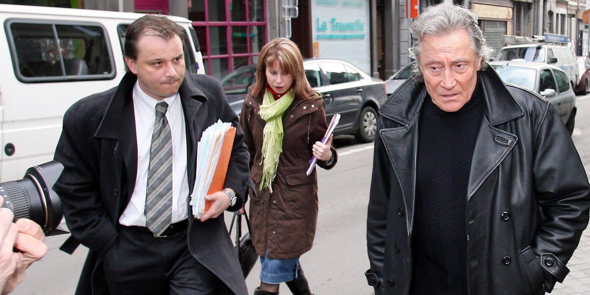 Un ancien avocat, qui avait des problèmes d'alcool, condamné pour détournement: il devait rendre l'argent à ses clients