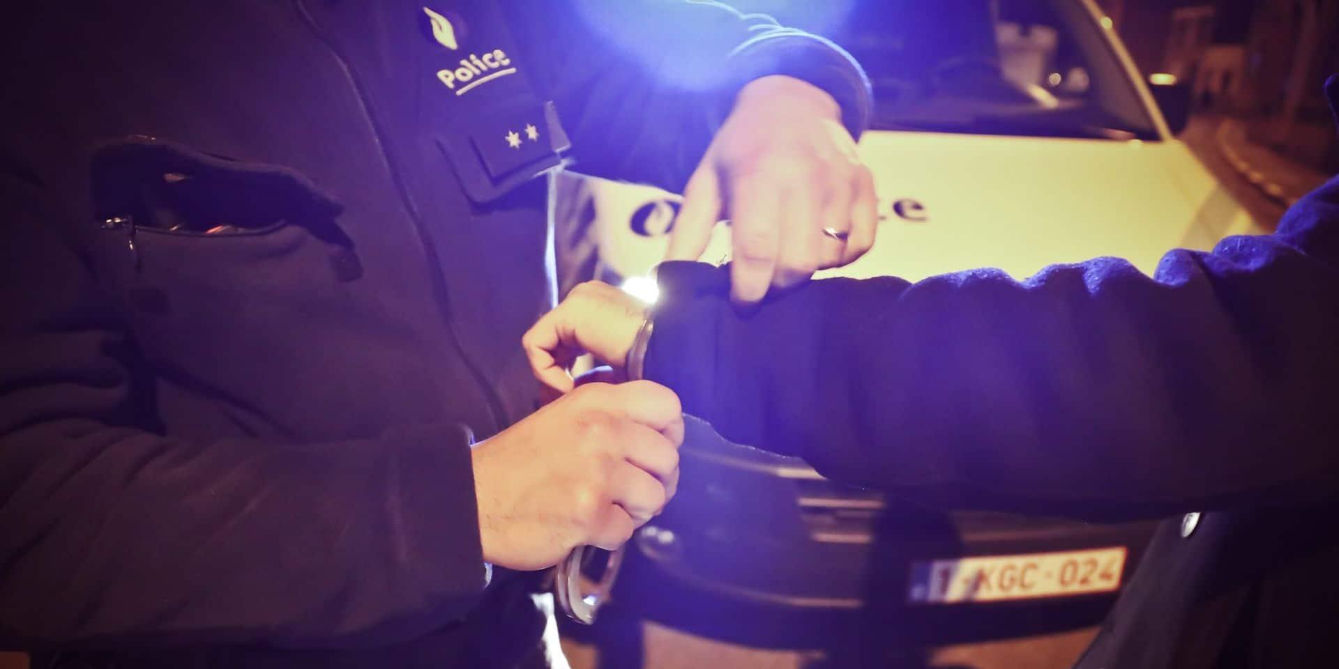 La Louvière: un trafiquant d'armes international interpellé par la police