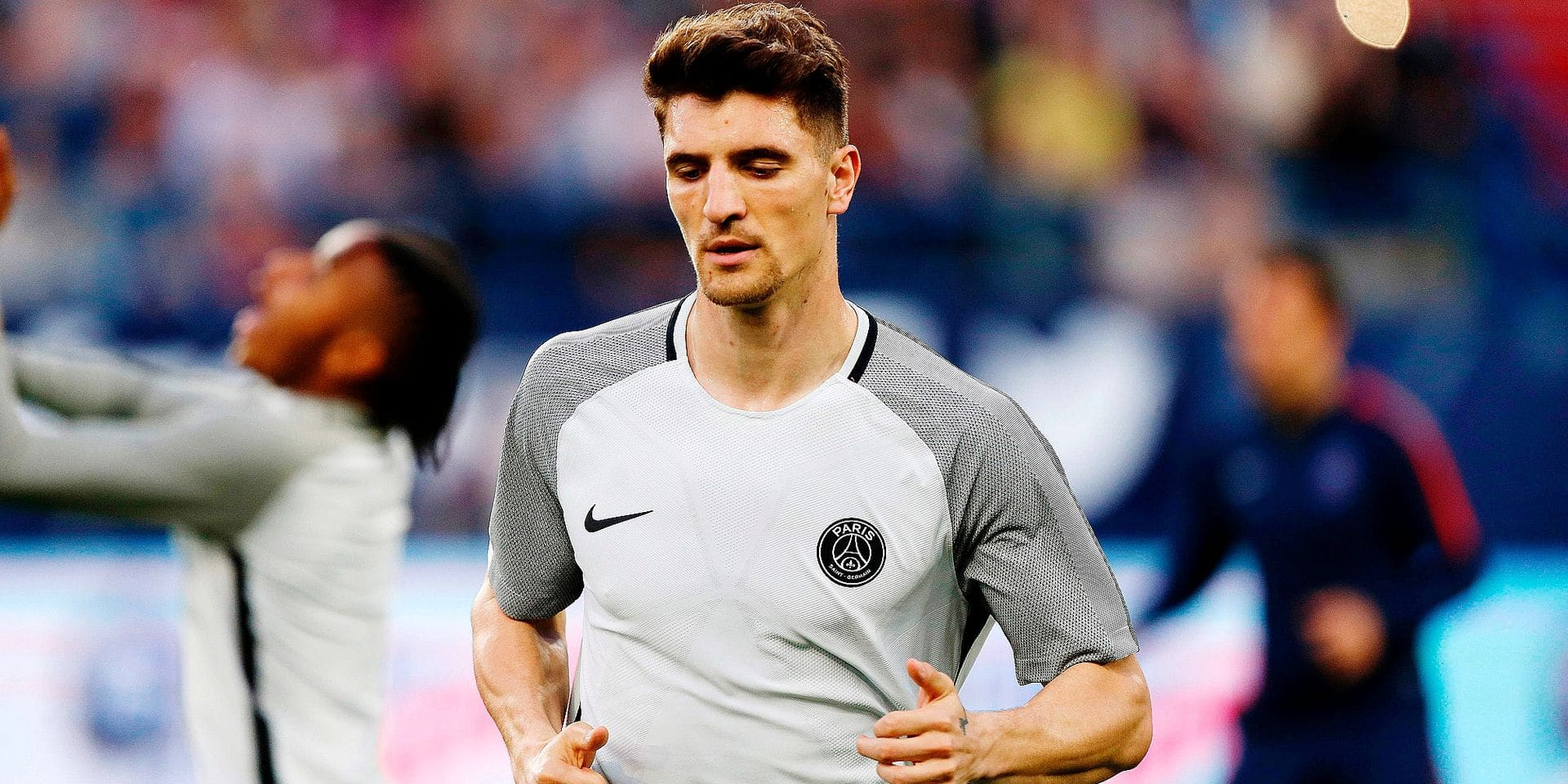Paris Saint-Germain's Belgian defender Thomas Meunier warms up before the French cup semi-final match between Caen (SMC) and Paris Saint-Germain (PSG) on April 18, 2018 at the Michel-d'Ornano stadium in Caen, northwestern France. / AFP PHOTO / CHARLY TRIBALLEAU