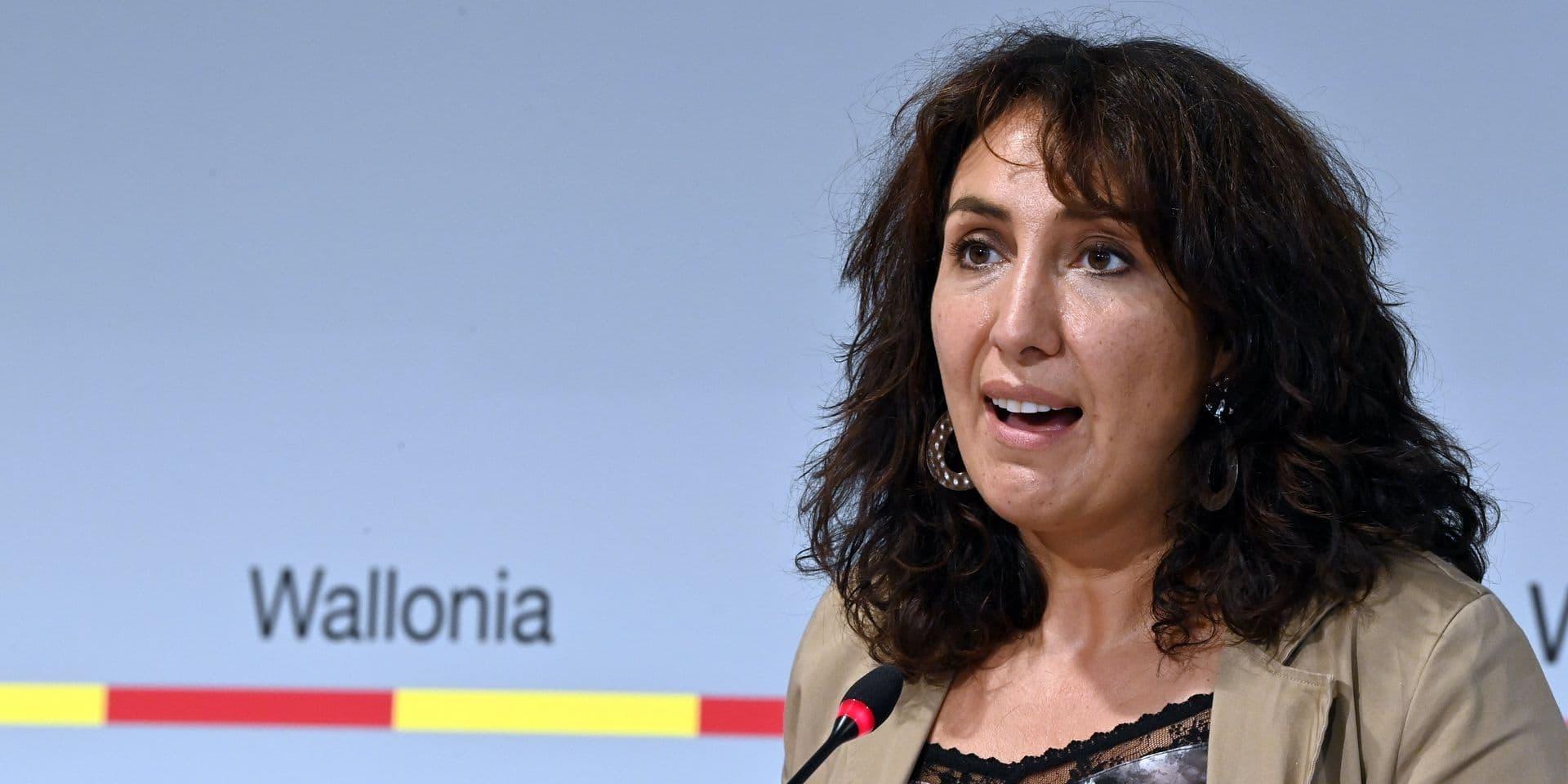 Christie Morreale, en faveur du Covid Safe Ticket en Wallonie