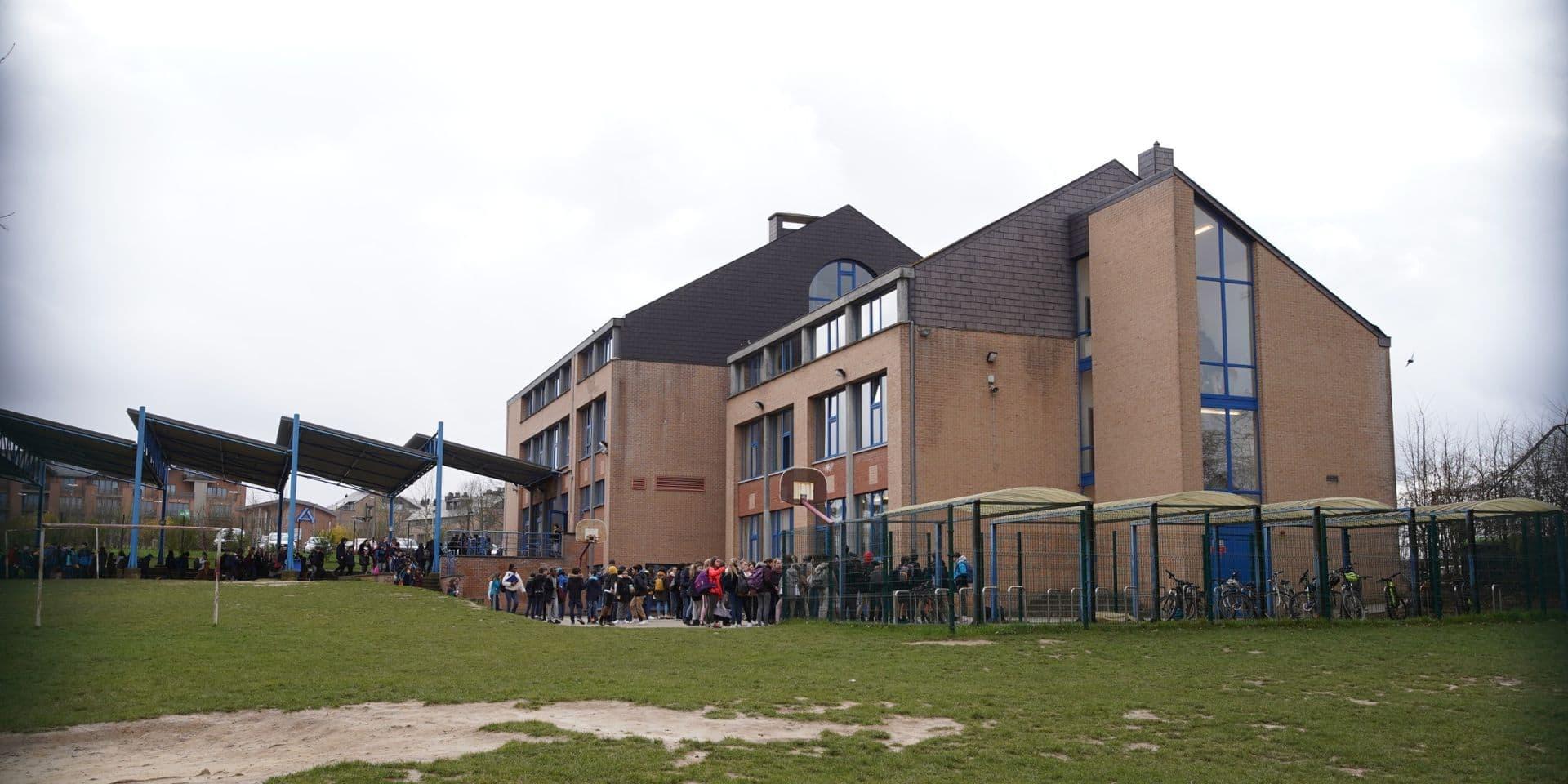 Une vingtaine de sportifs amateurs verbalisés pour avoir joué au football à Louvain-la-Neuve