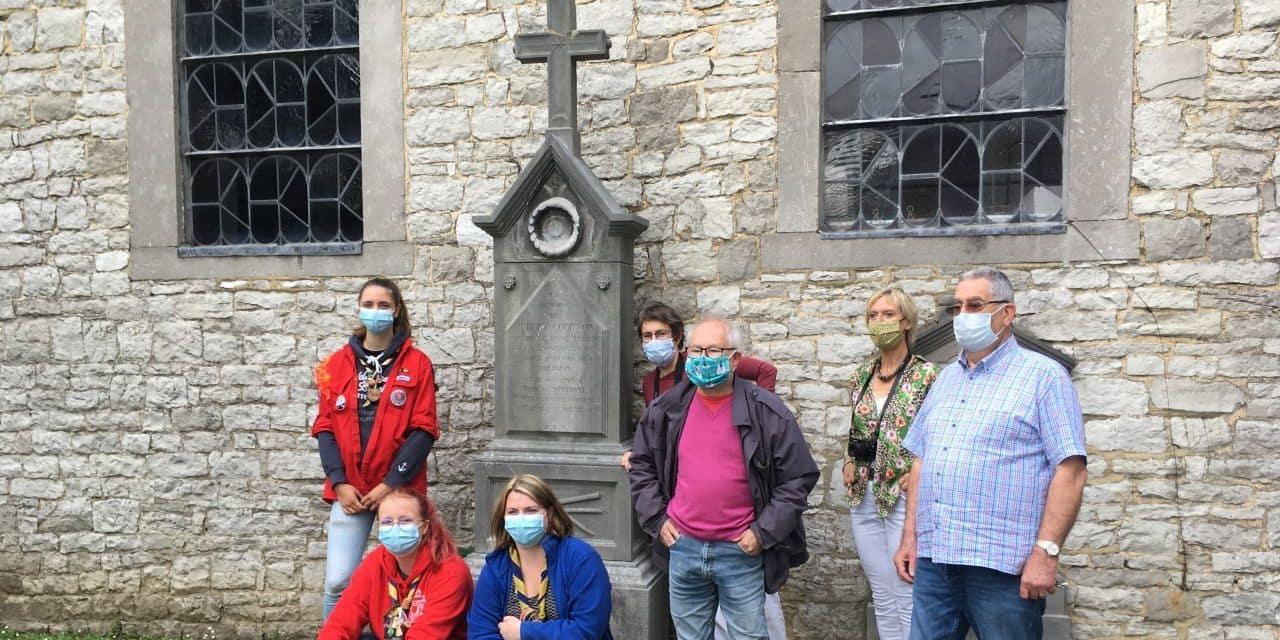 Bonneville : les pionniers de Dottignies rénovent les stèles de l'église Saint-Firmin et une chapelle