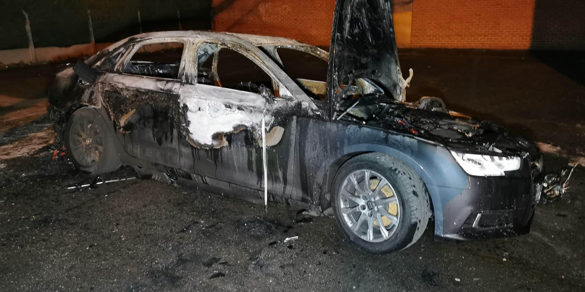 Une voiture brûlée à Marcinelle la nuit dernière: un acte criminel?