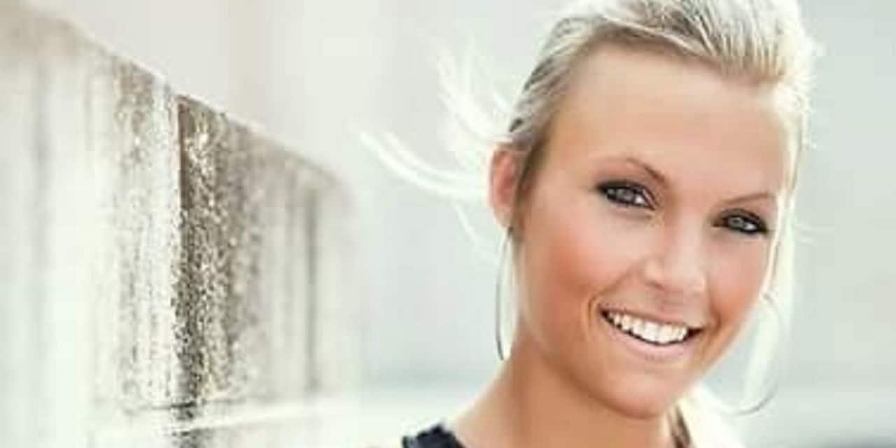 """Céline Lechanteur, Hervienne de 30 ans et ex-candidate de The Voice, est décédée: """"Son sourire et sa belle voix resteront dans nos cœurs"""""""