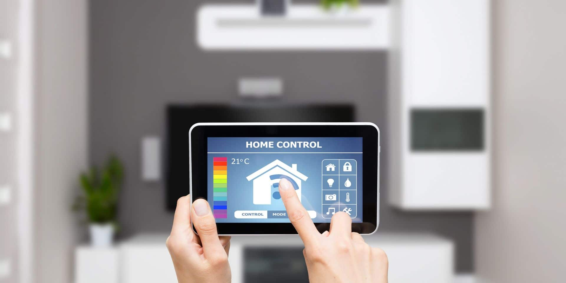 Remote,Home,Control,System,On,A,Digital,Tablet,Or,Phone.