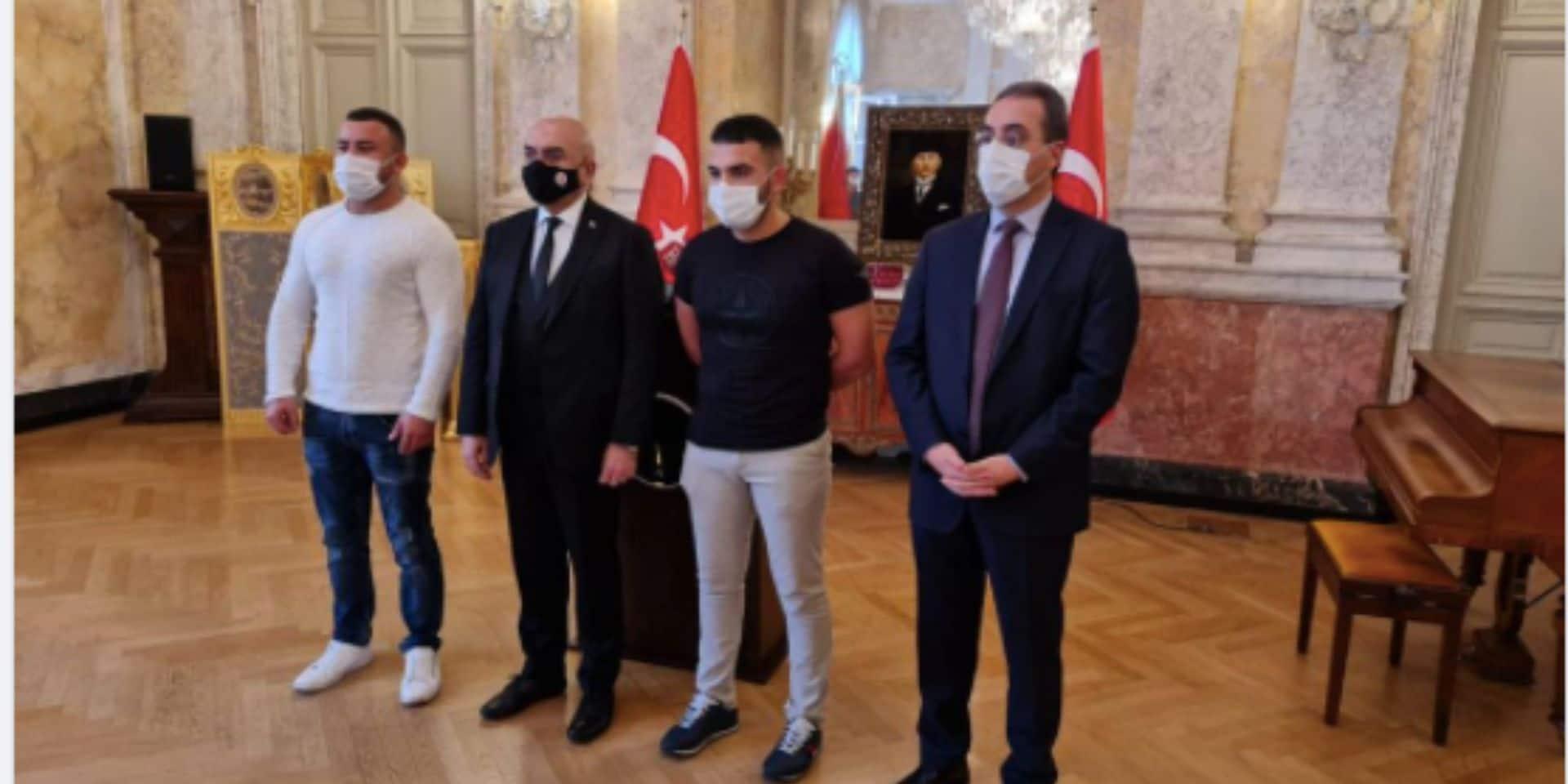 Attaque terroriste en Autriche : deux jeunes Viennois ont sauvé un policier