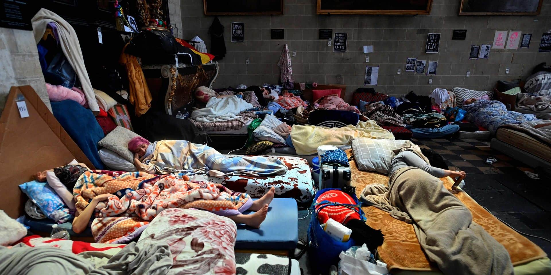 """Grévistes de la faim sans-papiers à Bruxelles: Ecolo réclame une solution """"humaine"""" et """"digne"""""""