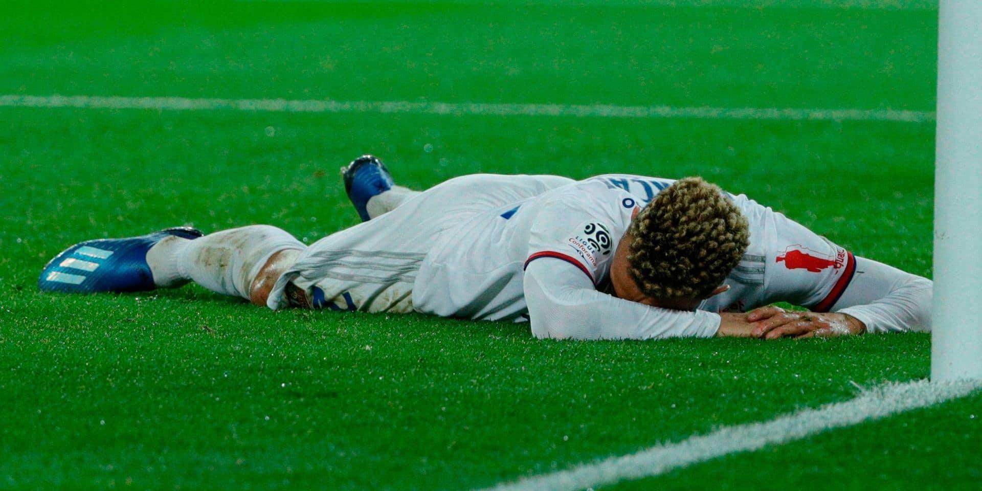 Le but gag de l'année est signé Fernando Marçal lors de PSG-Lyon (VIDEO)