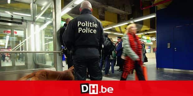 Contrôle de police dans une station de la Stib