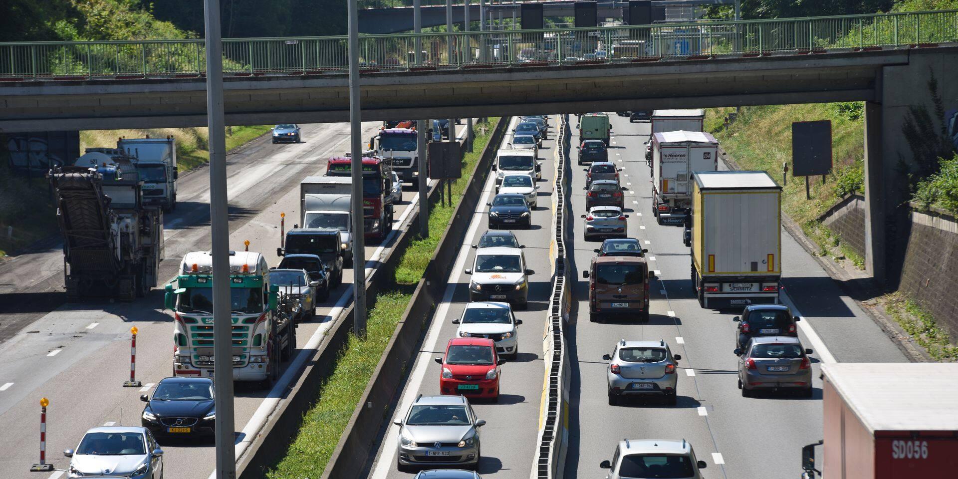 Accident sur le ring à hauteur de Waterloo: gros embarras de circulation