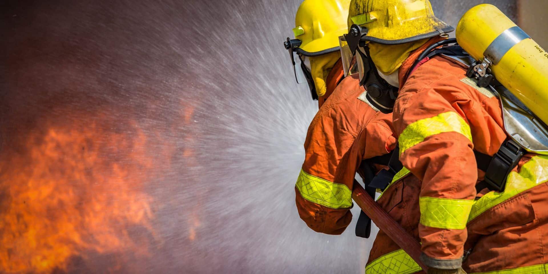 Une enquête ouverte après un incendie suspect à Chercq (Tournai)