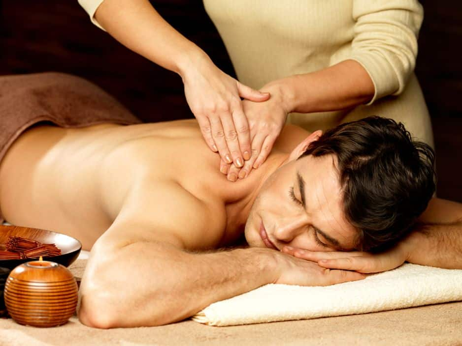 Un massage pour un papa sportif, c'est le rêve que vous pouvez lui offrir à l'Aspria. Massage sportif à l'Aspria Art-Loi au prix de 75€. Un soin qui se focalise sur la détente musculaire de l'ensemble du corps, ou d'un groupe précis (sur demande).
