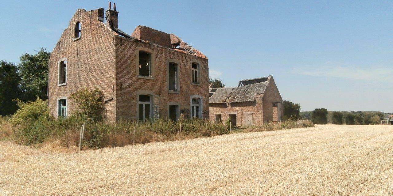 Empêchée de rénover sa maison à cause de l'installation d'une éolienne à Perwez