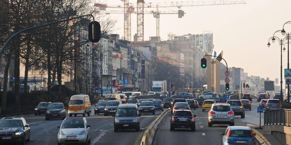 """L'Autorité de Protection des Données juge """"démesurés"""" les inconvénients du projet de taxation kilométrique SmartMove"""