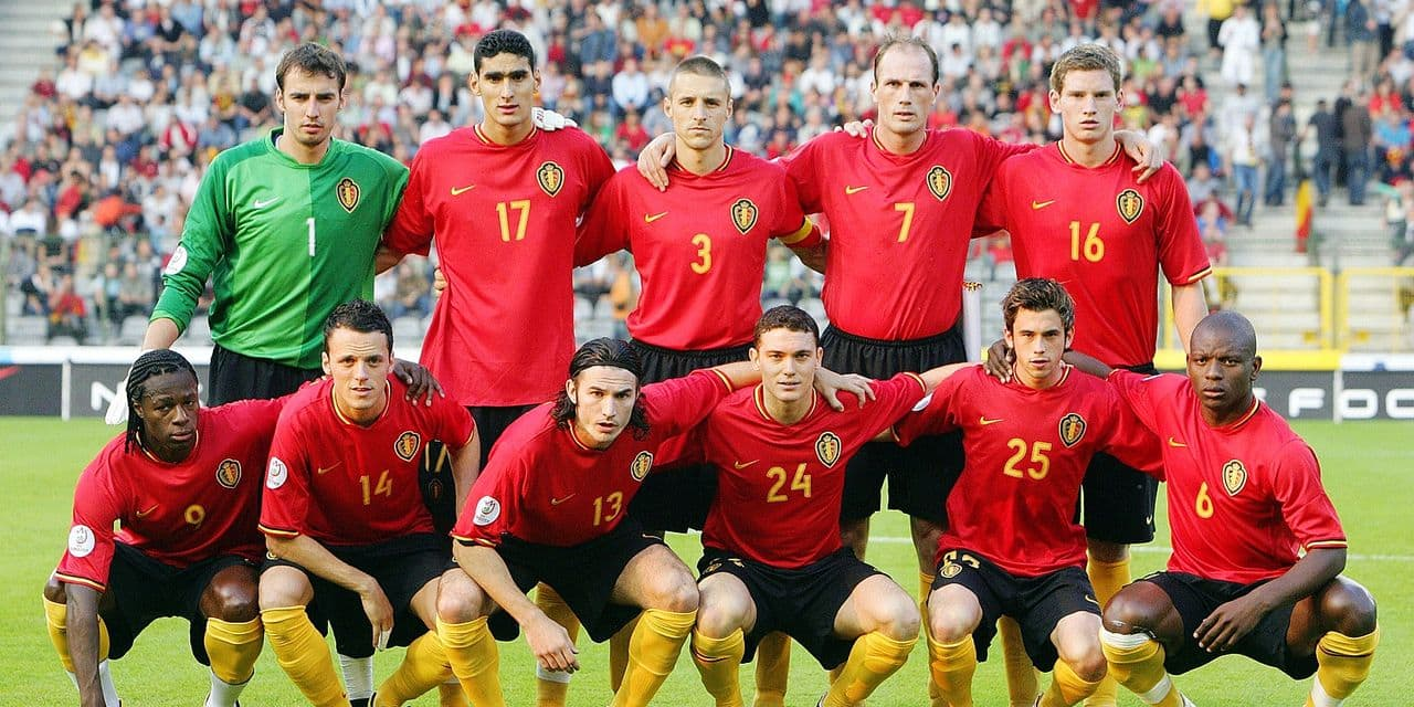 20070602 - BRUSSELS, BELGIUM: (FILES) Players of the Belgian team pose for a family portrait prior to the Euro 2008 qualifying match Belgium vs Portugal, Saturday 2 june 2007 in Brussels. Portugal defeated Belgium 1-2. (L-R, Back) Keeper Stijn Stijnen, Marouane Fellaini, Timmy Simons, Philippe Clement, Jan Vertonghen. (L-R, front) Emile Mpenza, Francois Sterchele, Carl Hoefkens, Thomas Vermaelen, Steven Defour, Gaby Mudingayi. 26-years old Club Brugge forward and player of the Red Devils Belgian national soccer team, Francois Stechele, died Thursday 08 May 2008 in a car accident. BELGA PHOTO ERIC LALMAND