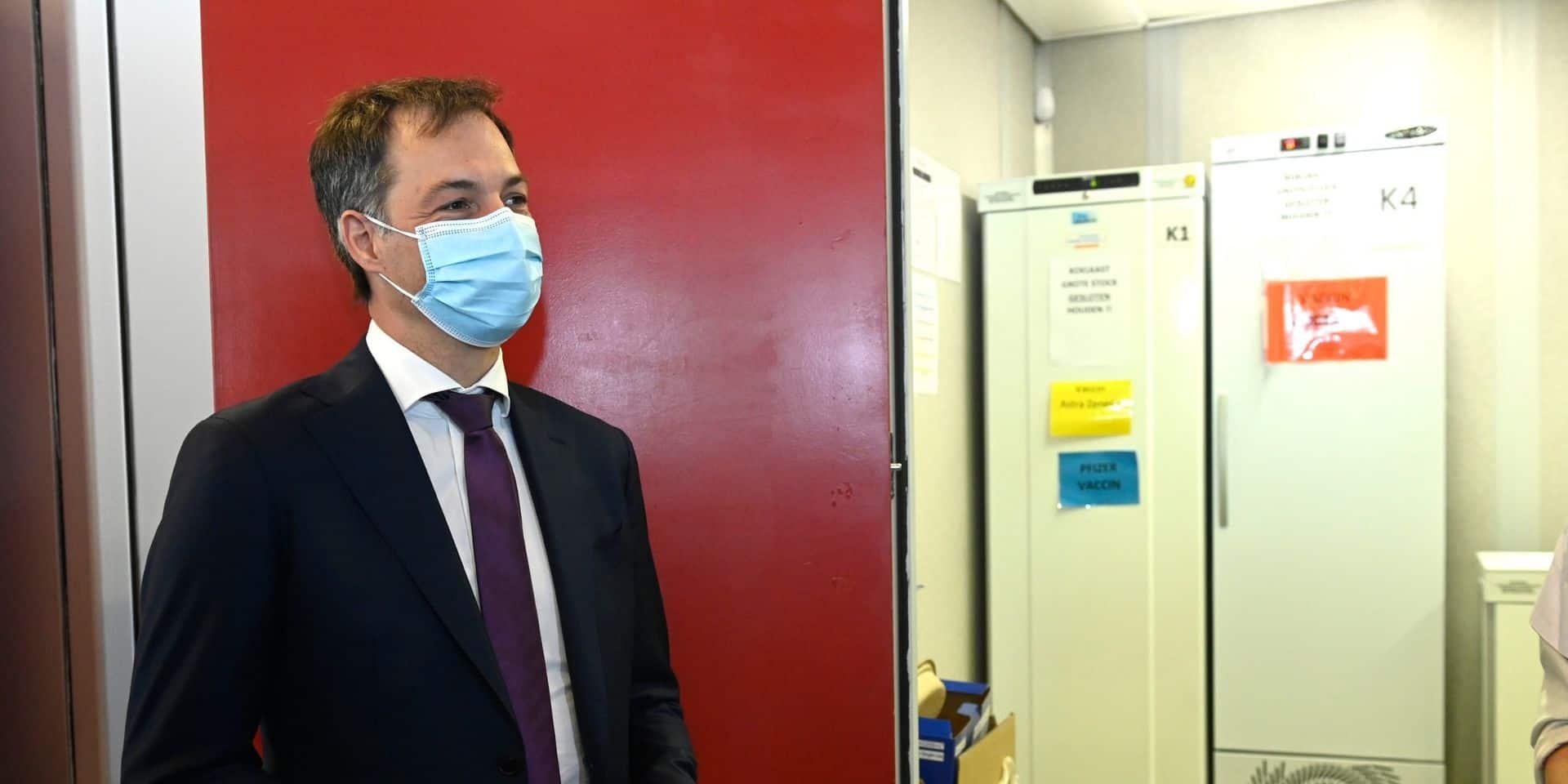"""Alexander De Croo sur le coronapass: """"Il n'y aura pas d'assouplissements supplémentaires pour les personnes vaccinées"""""""
