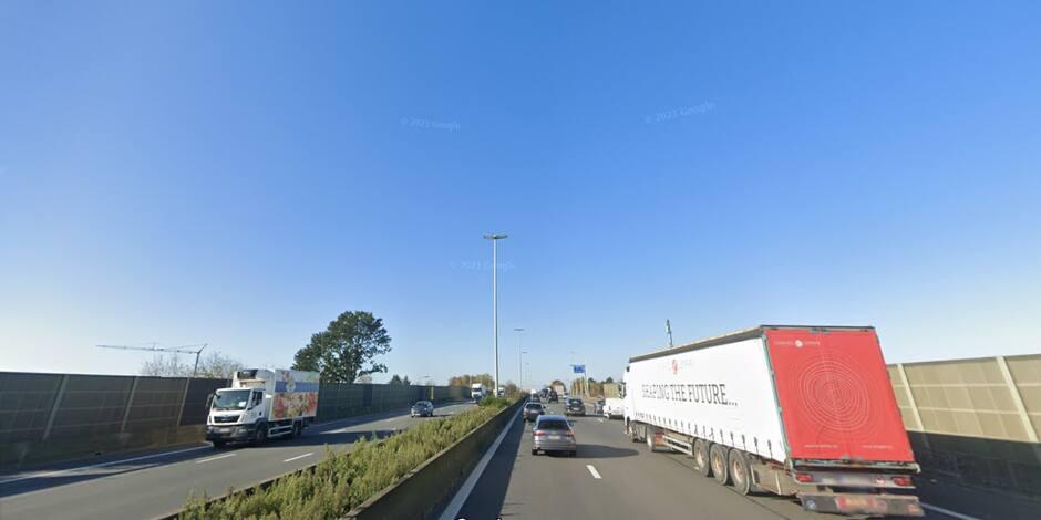 Important embouteillage sur l'E40 à la suite d'un accident à hauteur d'Erpe-Mere