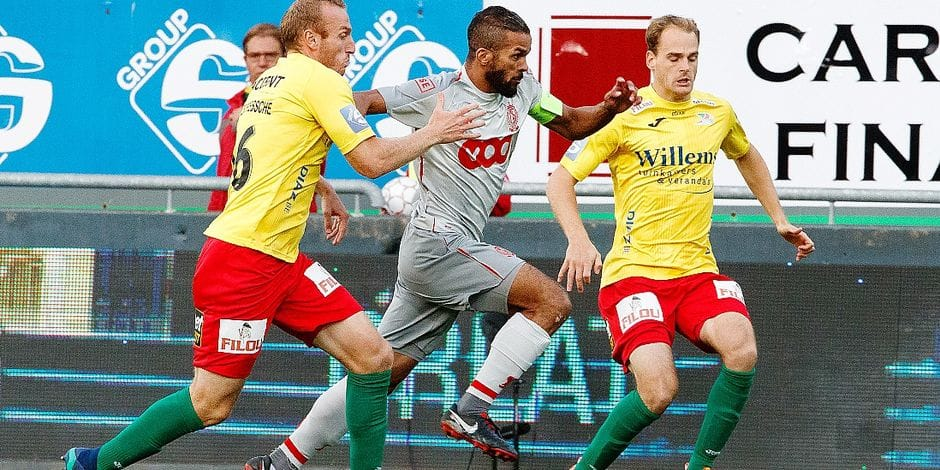Oostende's Kevin Vandendriessche and Standard's Mehdi Carcela fight for the ball during the Jupiler Pro League match between KV Oostende and Standard de Liege, Sunday 30 September 2018 in Oostende, on the ninth day of the 'Jupiler Pro League' Belgian soccer championship season 2018-2019. BELGA PHOTO KURT DESPLENTER