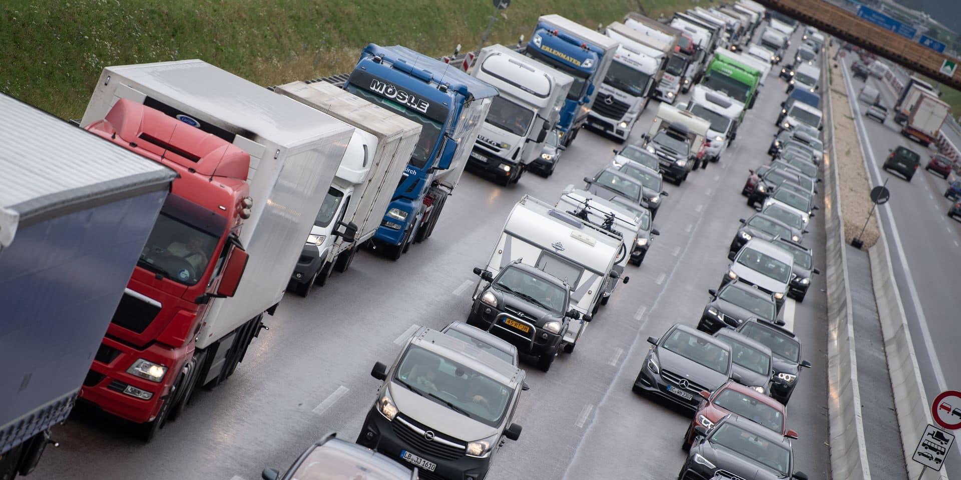 Dernier chassé-croisé de l'été en France: samedi noir sur les routes vers la Méditerranée