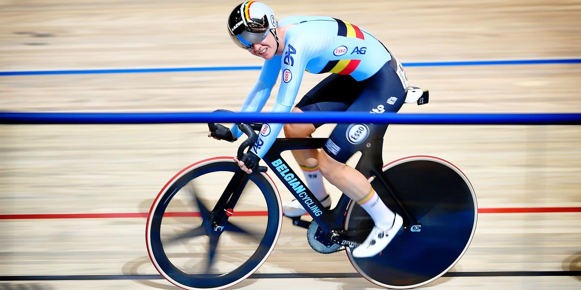 Belgian Jolien D'Hoore pictured in action during the women's Point's Race event at the 2018 world championships track cycling in Apeldoorn, the Netherlands, Sunday 04 March 2018. The track cycling worlds take place from 28 February to 04 March. BELGA PHOTO YORICK JANSENS