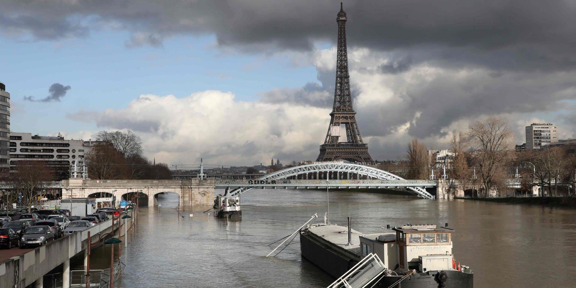 Un corps repêché dans la Seine à Paris, les mains liées