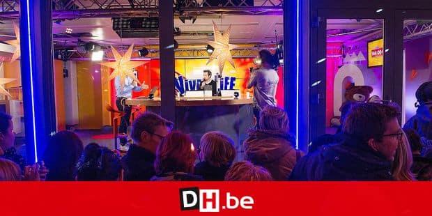 Charleroi - Place de la digue: Soirée de lancement de Viva for Life 2015 en présence de Patrick Bruel et de Paul Magnette, bourgmestre (PS) de la ville
