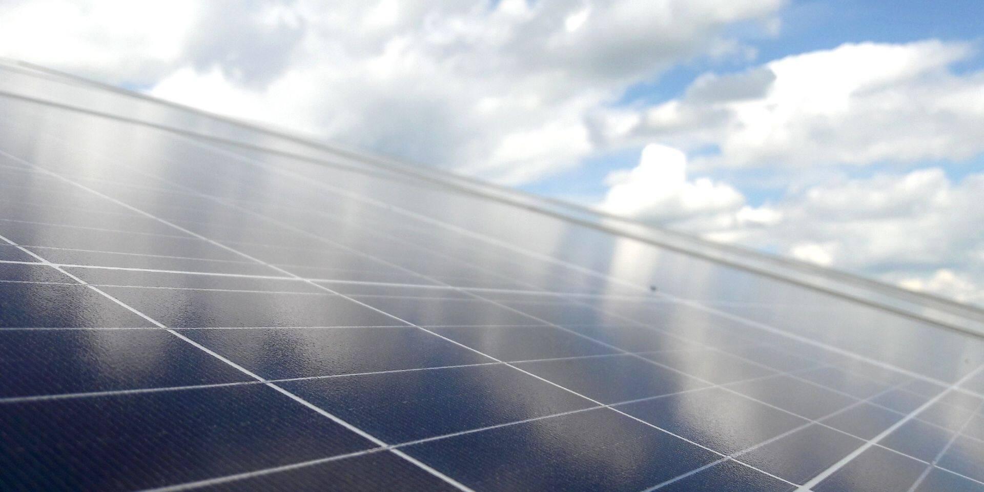 Mons: Un guide pour orienter les promoteurs photovoltaïques